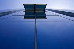 blå byggnadskontorssky Fotografering för Bildbyråer