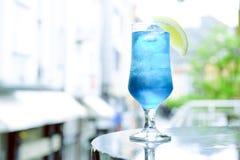 blå coctail Arkivfoto