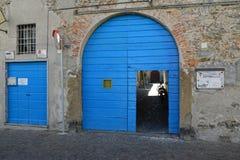 blå dörröppning Royaltyfria Foton