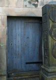 blå dörr Royaltyfri Fotografi