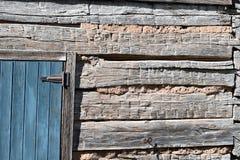 blå dörr Arkivfoto