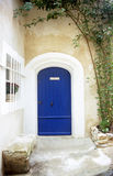 blå dörr provence Royaltyfria Foton