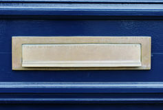 blå dörrletterslotbrevlåda Royaltyfri Bild