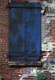 blå dörrmetall Arkivbild