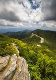 Blå destination för Ridge Parkway Craggy Gardens Asheville NC semesterlopp arkivbild