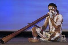 blå didgeridoo mig Royaltyfria Bilder