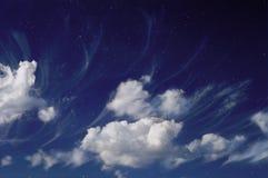 Blå drömlik himmel Arkivbilder