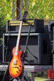 blå elektrisk gitarr Royaltyfri Foto
