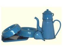 blå emaljkitchenware Arkivfoto