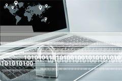 Blå Ethernetkabel som formar en hänglås Arkivbild