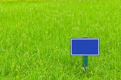 blå etikett Arkivfoton
