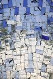blå färglös glass mosaik Arkivbilder