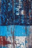 Blå färgrik skrapad wood textur arkivbilder