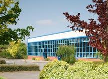 blå fabrik Arkivbild