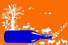 Blå flaska med djur, växter och träd som isoleras på orange lodisar Arkivfoton