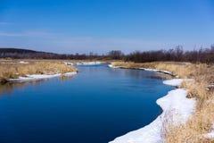 blå flod Arkivbilder