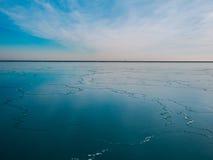 blå fryst lake Arkivfoton