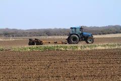 blå gammal traktor Arkivbilder