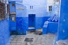 blå gata Arkivfoto
