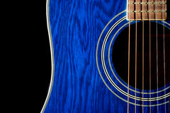 Blå gitarr arkivbild