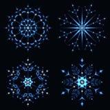 Blå glänsande snöflinga Royaltyfria Foton