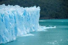 Blå is glaciar Perito Moreno i Patagonia Arkivfoto