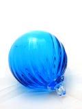 blå glass prydnad Royaltyfri Fotografi
