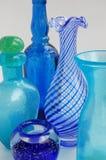 blå glasware Arkivfoton