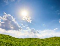 blå greensky för fält 3d Arkivfoto