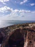 Blå grotta i Malta Arkivbilder