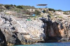 Blå grottatrappa Arkivbild