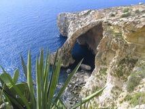 blå grotto malta Arkivbilder