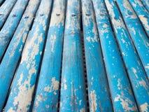 Blå grunge målad wood bakgrund Arkivfoto