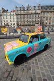 Blå gul godisbil Royaltyfria Foton