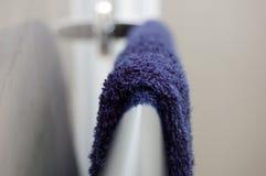 blå handduk Arkivbild
