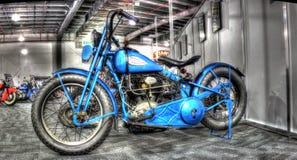Blå Harley Davidson för tappning motorcyce Arkivfoton