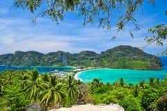Blå havsiktspunkt på Phi Phi Island Thailand Fotografering för Bildbyråer