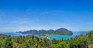 Blå havsiktspunkt på Phi Phi Island Thailand Royaltyfria Bilder