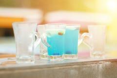 Blå hawaii coctail, blått hawaii för coctail för sommarsemester Arkivfoton