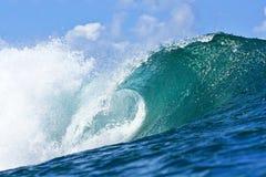 blå hawaii honolulu rörwave royaltyfria bilder
