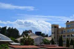 Blå himmel av Mombasa Arkivfoton