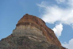 Blå himmel för färgrikt berg Arkivfoto