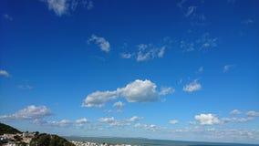 Blå himmel i Tunisien arkivfoton