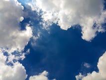 Blå himmel med clounds Royaltyfri Bild