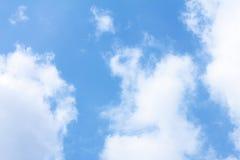 Blå himmel med moln Royaltyfria Foton