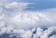 Blå himmel med molnbakgrund Royaltyfri Bild