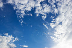 Blå himmel och cloundy Royaltyfri Fotografi