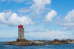 Blå himmel och fyren av La Croix Royaltyfri Fotografi