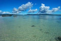 Blå himmel och moln i den Havelock ön. Andaman öar, Indien Fotografering för Bildbyråer
