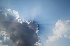 Blå himmel och moln med solljus Royaltyfria Foton